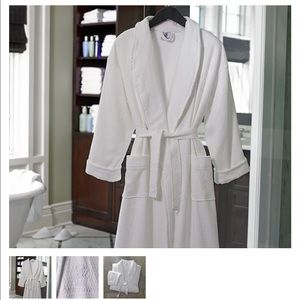 NWT Ritz Carlton White Diamond Waffle Robe Bundle